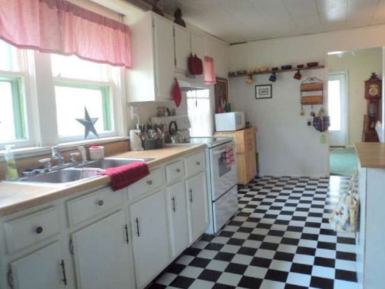 501 S 4th St, West Terre Haute, IN 47885