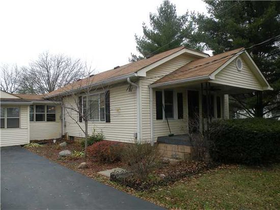 8202 Paddock Rd, Camby, IN 46113