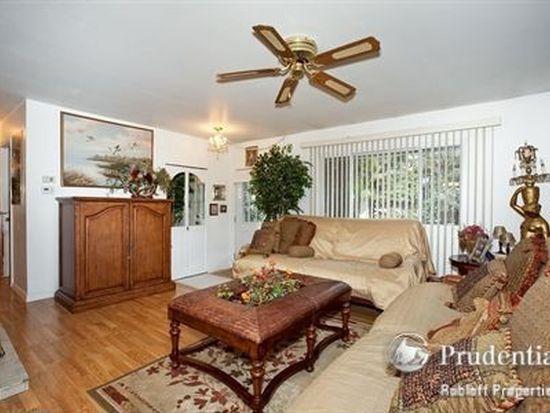 7806 Sprucewood Ave, Woodridge, IL 60517