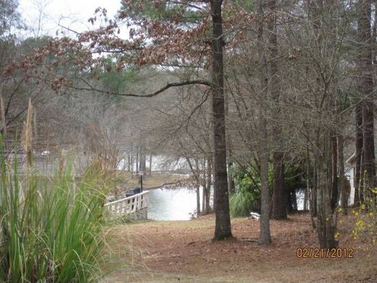 245 River Lake Dr, Eatonton, GA 31024