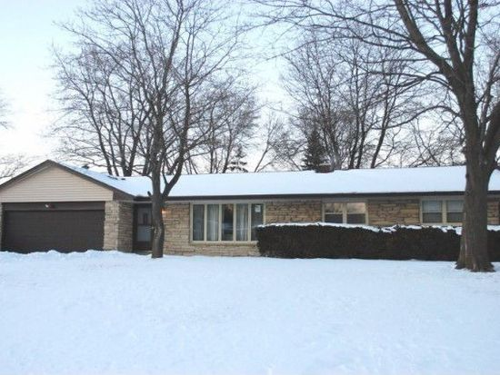 12104 W Plainfield Ave, Greenfield, WI 53228