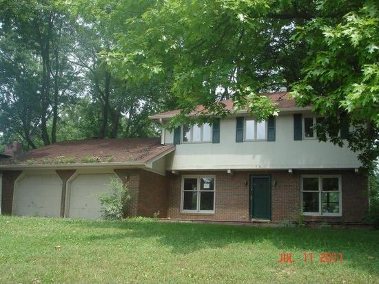 2608 Chesterfield Pl, Anderson, IN 46012