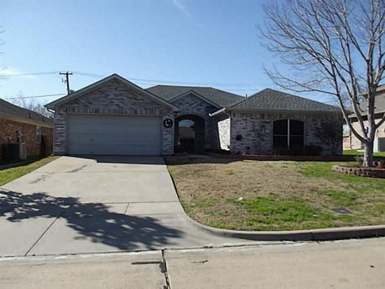 1309 High Crest Dr, Mansfield, TX 76063