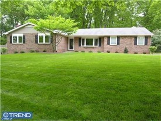 1099 Independence Dr, Yardley, PA 19067