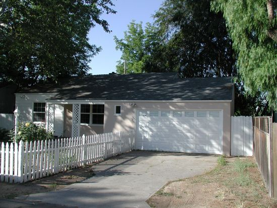 416 Devirian Pl, Altadena, CA 91001