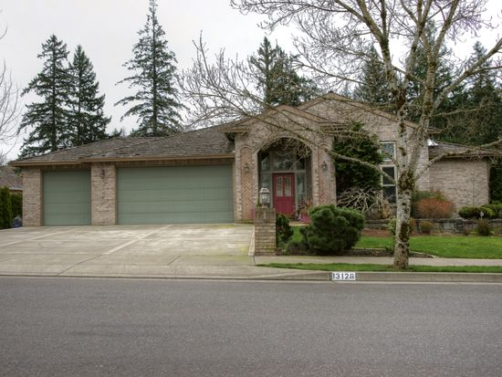 13126 SE Spring Mountain Dr, Happy Valley, OR 97086