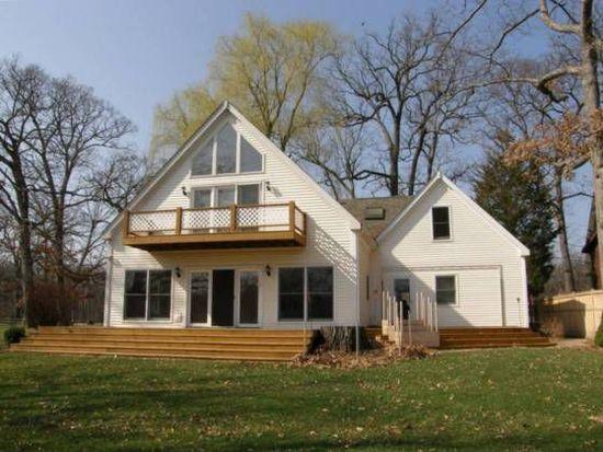 4710 Timberlane Rd, Crystal Lake, IL 60014