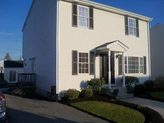 30 Maplewood Dr, Fall River, MA 02721