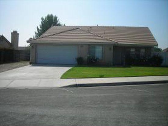 2407 W Sunnyview Dr, Rialto, CA 92377