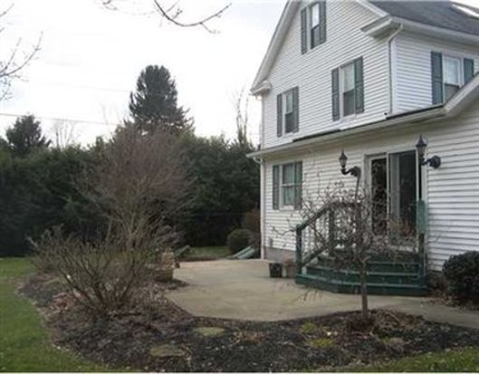 2470 Eastbrook Rd, New Castle, PA 16105
