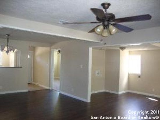 410 Bradford Ave, San Antonio, TX 78228