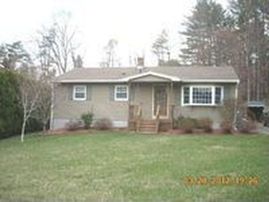 15 Pine Ridge Dr, Lee, MA 01238