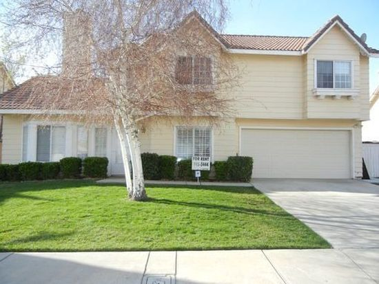 1570 Georgetown Ave, Palmdale, CA 93550