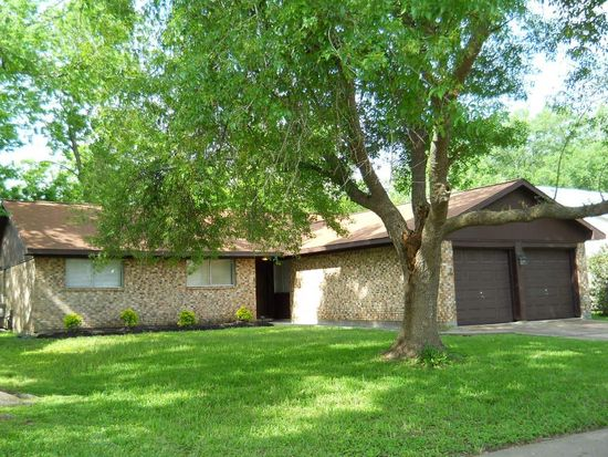 5010 W Plum St, Pearland, TX 77581