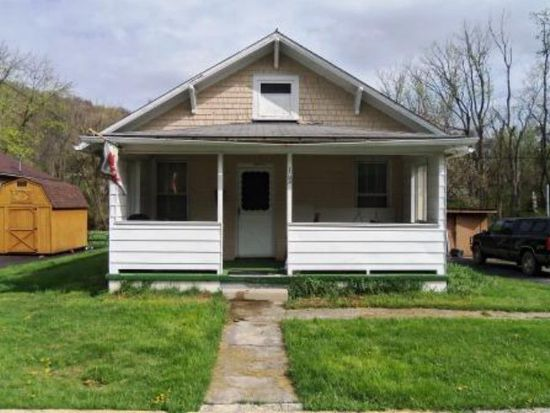 102 Reynolds Ave, Bluefield, VA 24605