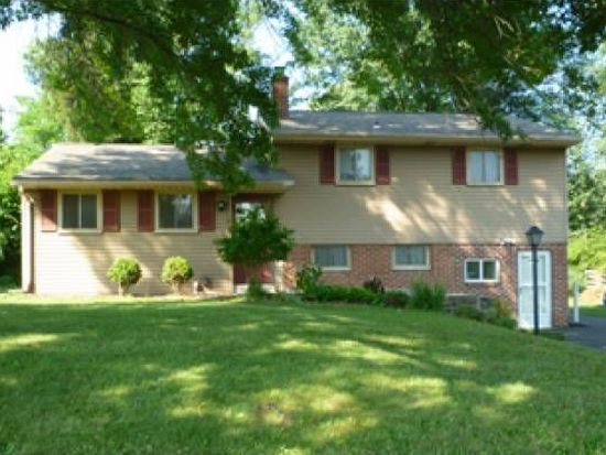 2557 S Parkview Dr, Norristown, PA 19403
