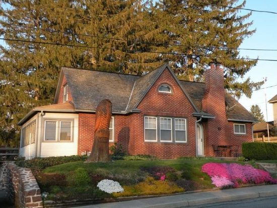 51 Union Ave, New Holland, PA 17557