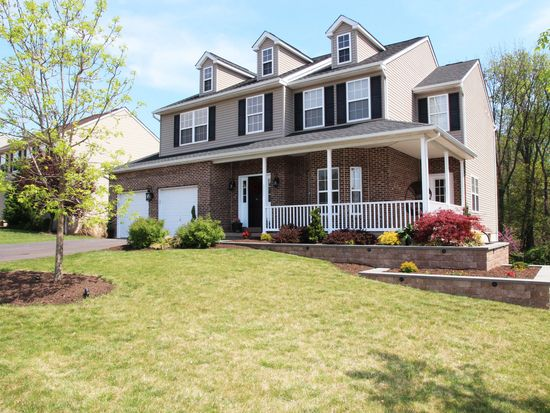 1111 Sun Valley Dr, Royersford, PA 19468