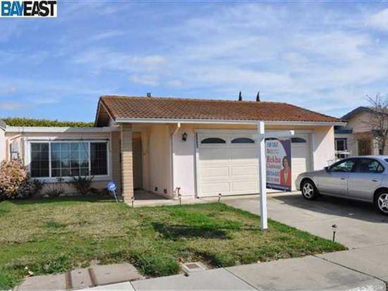 32920 Lake Mead Dr, Fremont, CA 94555