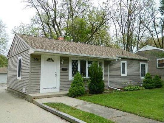 121 S Archer Ave, Mundelein, IL 60060