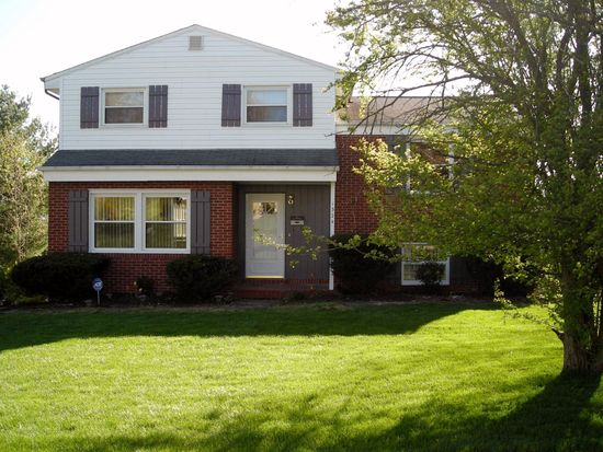 1324 Woodland Dr, Monroeville, PA 15146