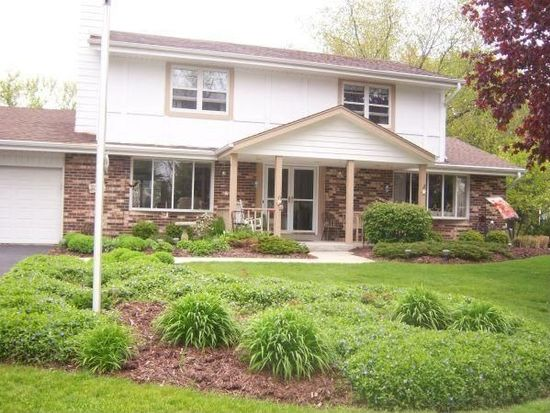 N62W24070 Sunset Dr, Sussex, WI 53089