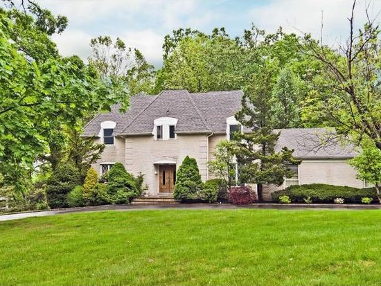 16 Notch Hill Dr, Livingston, NJ 07039