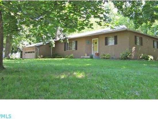 552 Evening St, Worthington, OH 43085