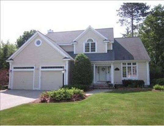 10 Colonial Ave, North Andover, MA 01845