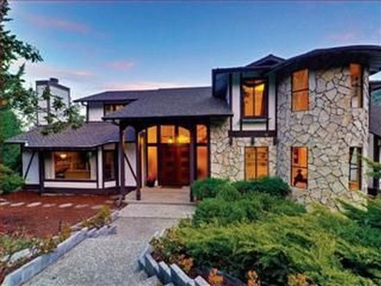 12170 Padre Ct, Los Altos Hills, CA 94022