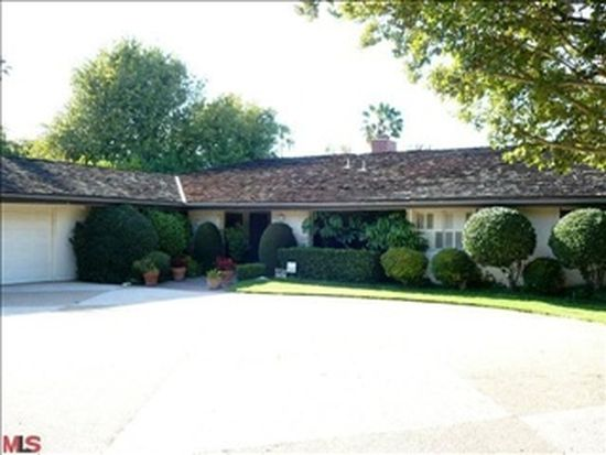 19729 Henshaw St, Woodland Hills, CA 91364