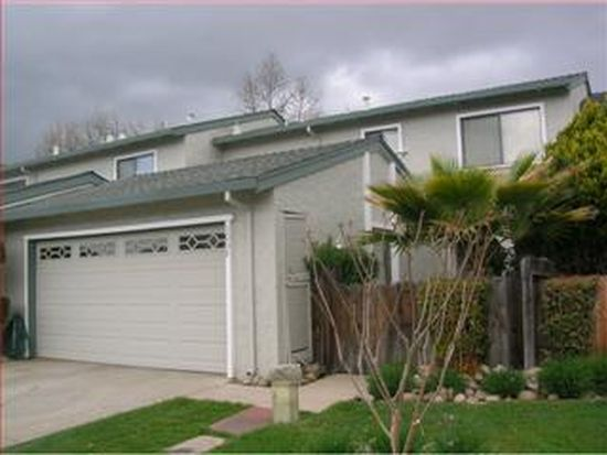 1035 Fillippelli Dr, Gilroy, CA 95020