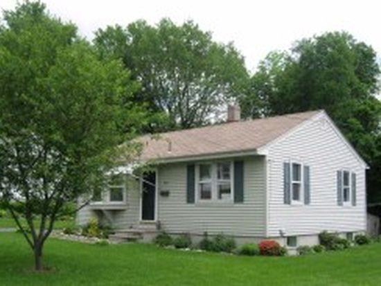 40 Montgomery Ave, Pittsfield, MA 01201