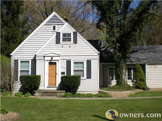 8297 Mapleway Dr, Olmsted Falls, OH 44138