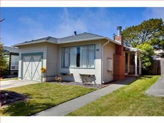 643 Forest Lake Dr, Pacifica, CA 94044