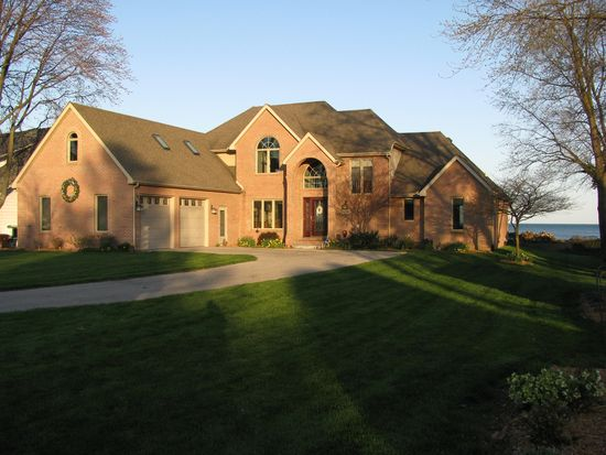 6326 Sterling Dr, Newport, MI 48166