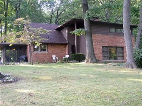 5868 Myers Rd, New Franklin, OH 44319