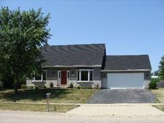 1305 Hilltop Blvd, Mchenry, IL 60050
