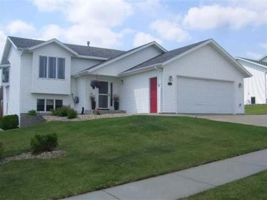 901 Mahone Ave, Bismarck, ND 58503