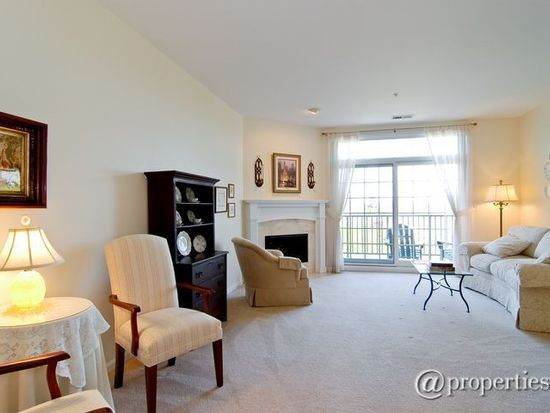 5329 Main St APT 503, Downers Grove, IL 60515