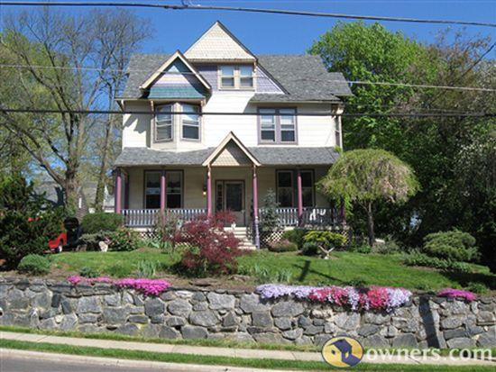 103 Webster Ave, Wyncote, PA 19095