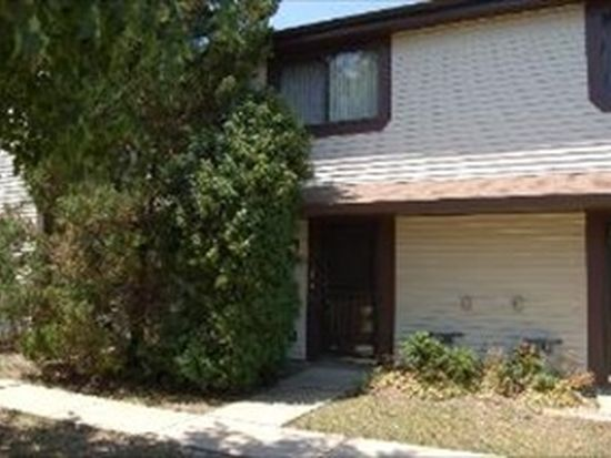 5616 Pebblebeach Dr, Hanover Park, IL 60133