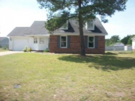 4586 Pennystone Dr, Fayetteville, NC 28306