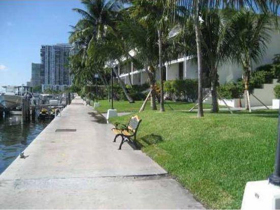 1865 Brickell Ave # TH9, Miami, FL 33129