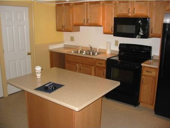 14 South St, Somersworth, NH 03878