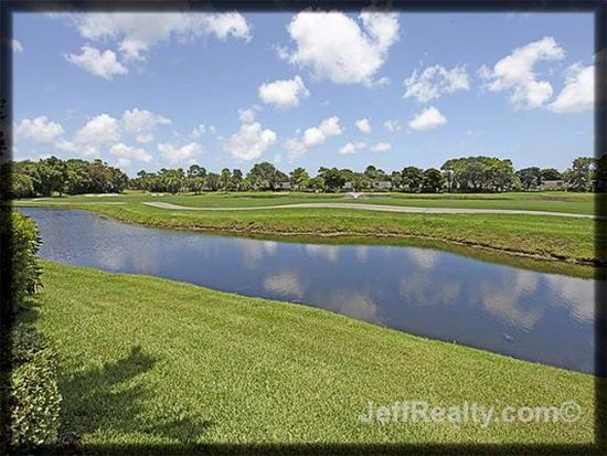 207 Resort Ln, Palm Beach Gardens, FL 33418