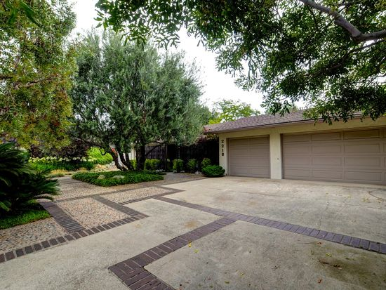 2218 Oxford Ave, Claremont, CA 91711