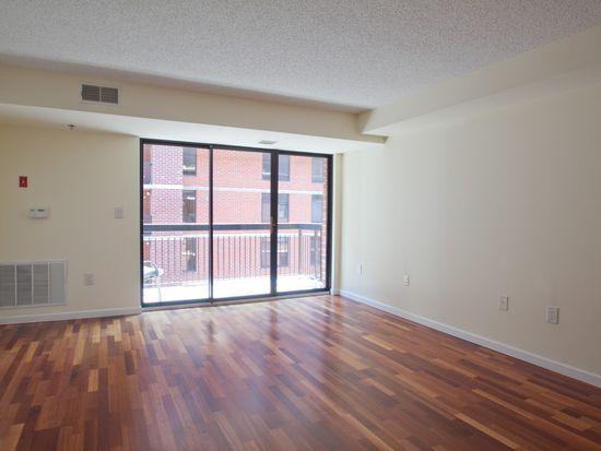 700 1st St APT 14M, Hoboken, NJ 07030