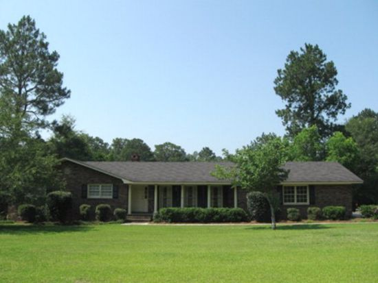 103 Fairway Dr, Moultrie, GA 31768