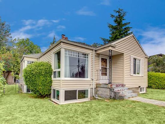 3902 SW Southern St, Seattle, WA 98136